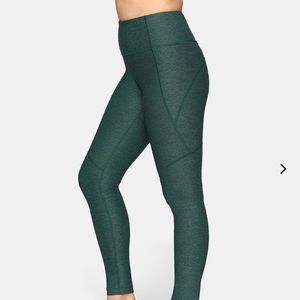 Outdoor Voices 3/4 warmup Compression legging